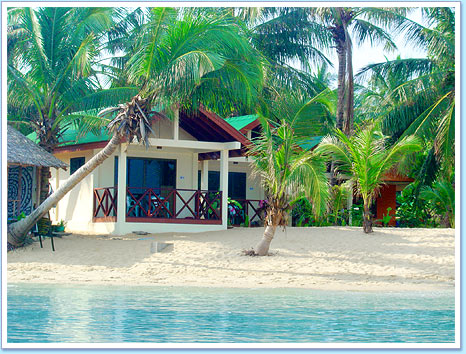 Beachfront Bungalows at Moonhut Resort